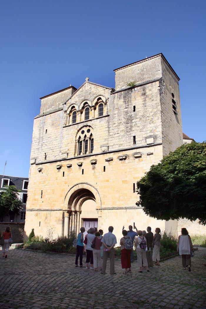 L'église Saint-Etienne et son bourg