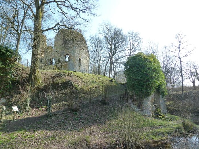 Journées du patrimoine 2017 - Visite libre de l'ancienne cité féodale et de l'église de transition de Saint Verain