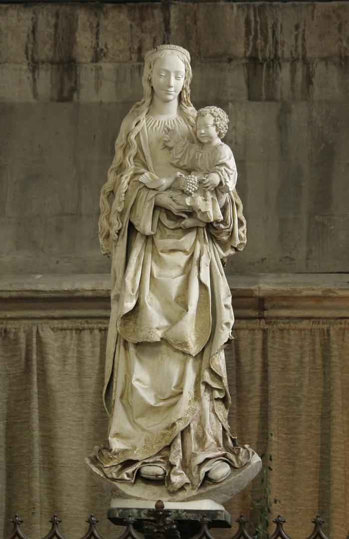 Crédits image : La Vierge aux raisins, basilique Saint-Urbain - Photographie : Daniel Le Nevé