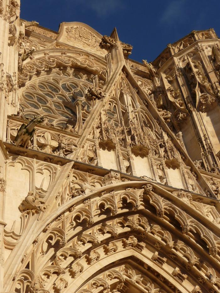 Crédits image : Façade centrale de la cathédrale de Troyes - Photographie : Marie-Anne Ballot