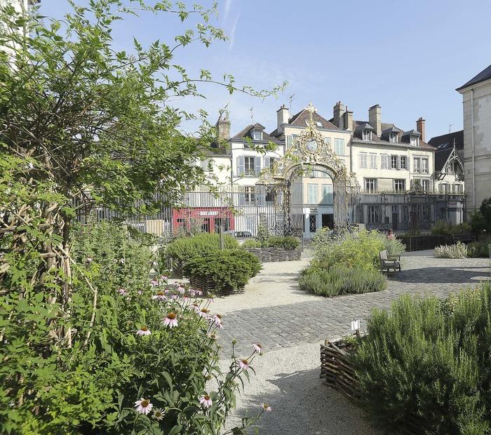 Crédits image : Jardin des plantes médicinales - Photographie : Carole Bell, Ville de Troyes
