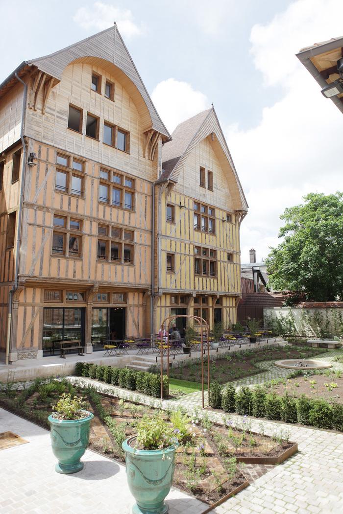 Crédits image : Jardin Juvénal-des-Ursins - Photographie : Adrien Clergeot, Ville de Troyes