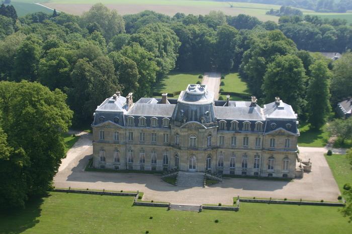 Journées du patrimoine 2018 - Visite libre du parc et des écuries du Château de Champlâtreux
