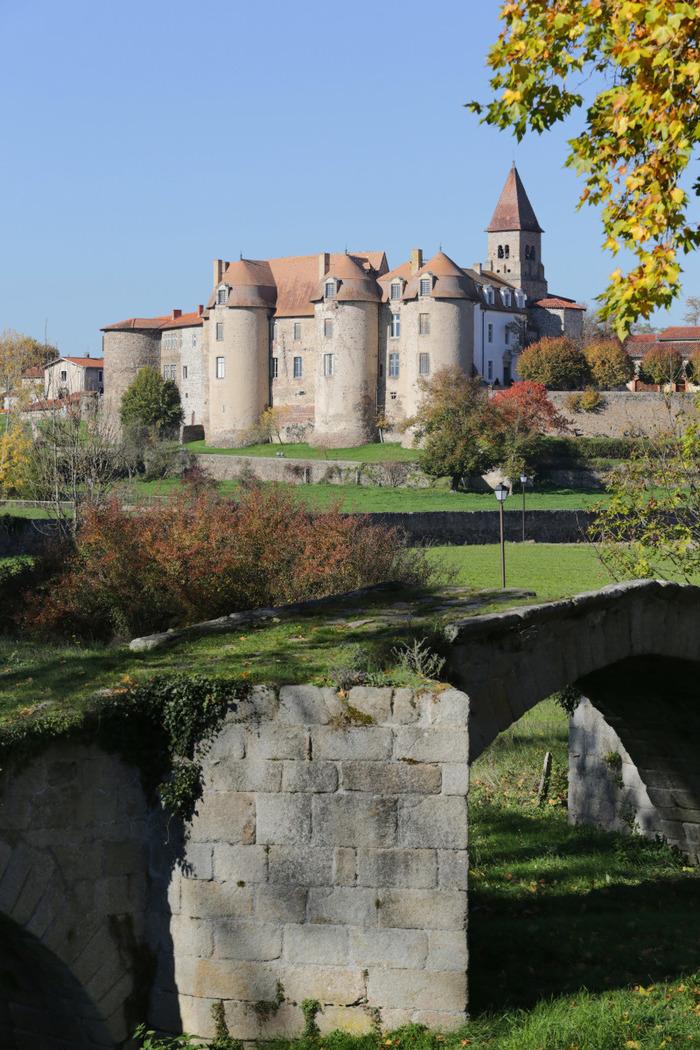 Journées du patrimoine 2018 - Visite libre du prieuré et des charpentes.
