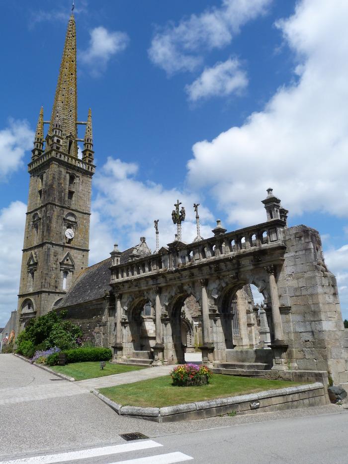 Journées du patrimoine 2018 - Visite de l'enclos paroissial de Sizun, l'église St Suliau, l'ossuaire et l'arc de triomphe
