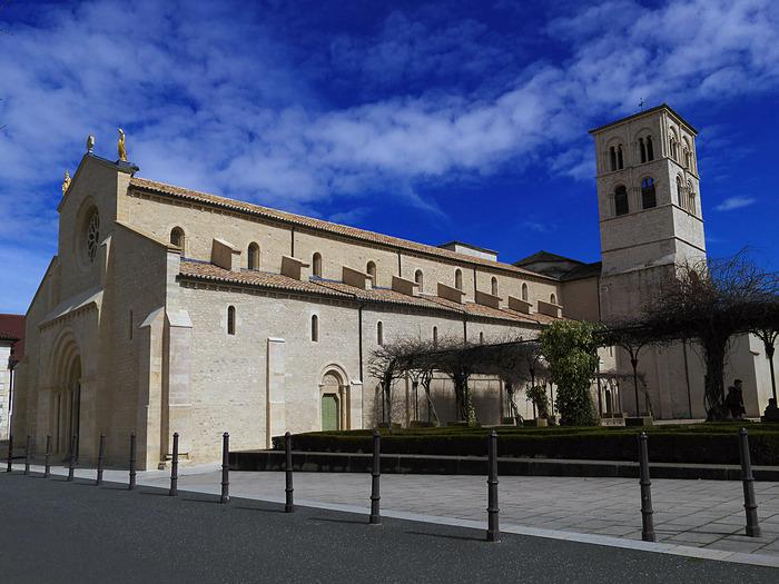 Journées du patrimoine 2018 - Visite libre, visite commentée de l'Abbatiale Notre-Dame.