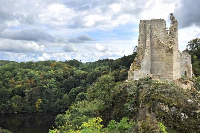 Journées du patrimoine 2018 - Découvrez la puissante forteresse médiévale de Crozant à votre rythme