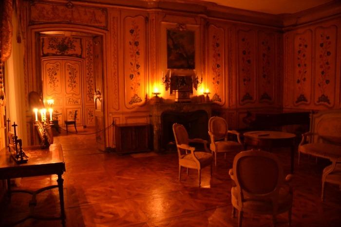 Journées du patrimoine 2018 - Visite nocturne et insolite des toitures classées du château du Passage.