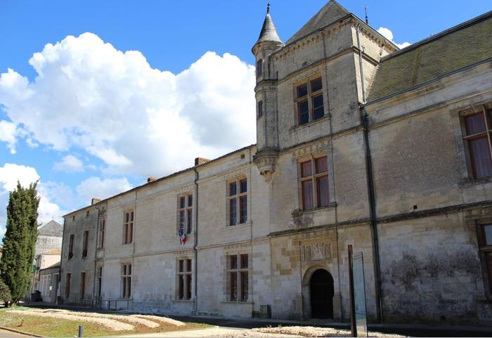Crédits image : © Mairie de Coulonges-sur-l'Autize