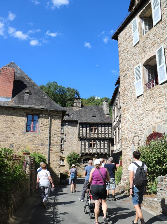 Journées du patrimoine 2018 - Visites guidées du village et de la cour intérieure du château