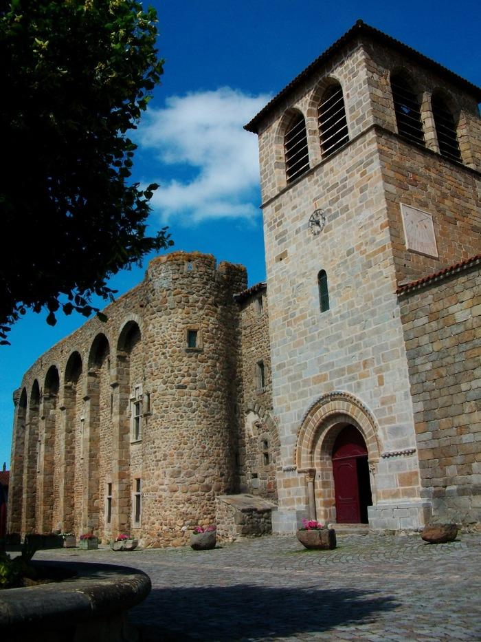 Journées du patrimoine 2018 - Visites libres et guidées de l'église et du prieuré de Champdieu.