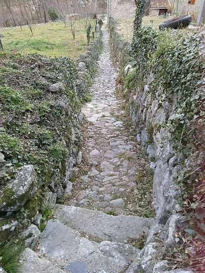 Journées du patrimoine 2019 - Rénovation de la calade du hameau de Chambonnet