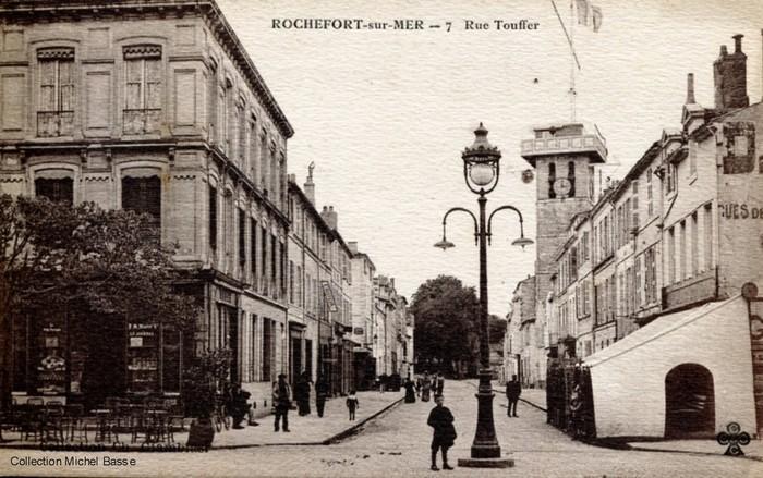 Conférence en ligne - Rochefort, du noir et blanc à la couleur