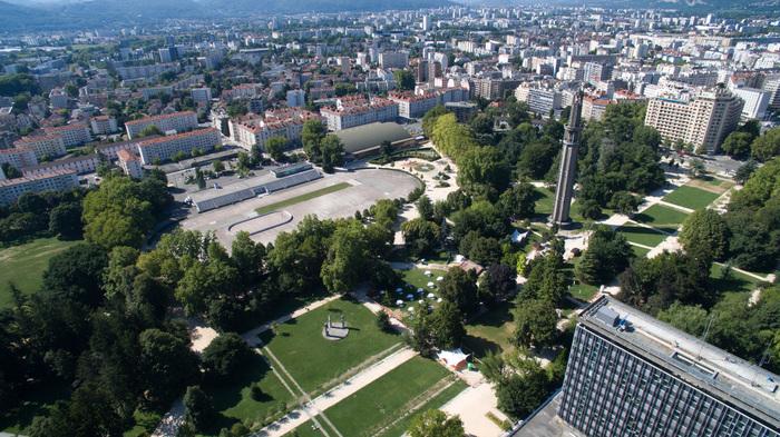 Journées du patrimoine 2019 - Spectacle de rue déambulatoire - Avenir du futur au parc Paul Mistral