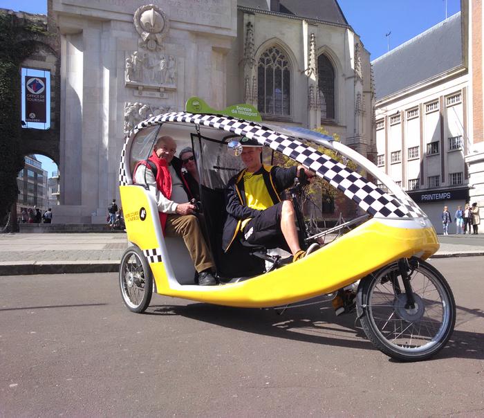 En octobre, testez vos courses en taxivélo avec Happymoov