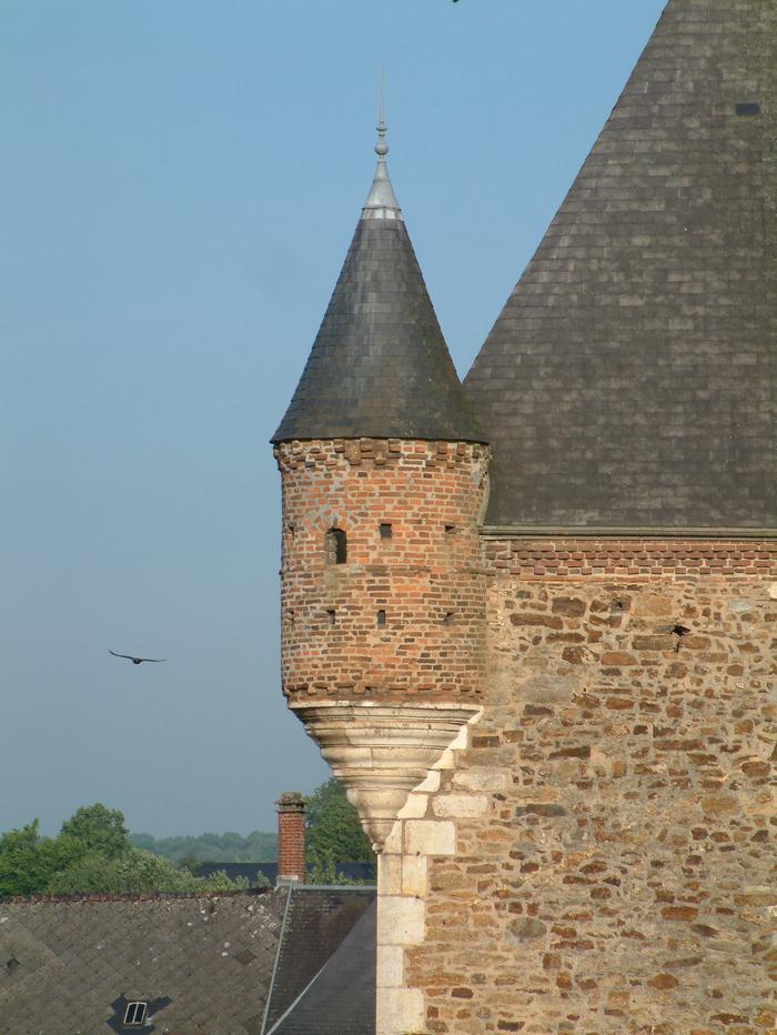 Journées du patrimoine 2019 - Histoire d'un village, de son château et d'une église fortifiée, au cœur de la Thiérache Ardennaise