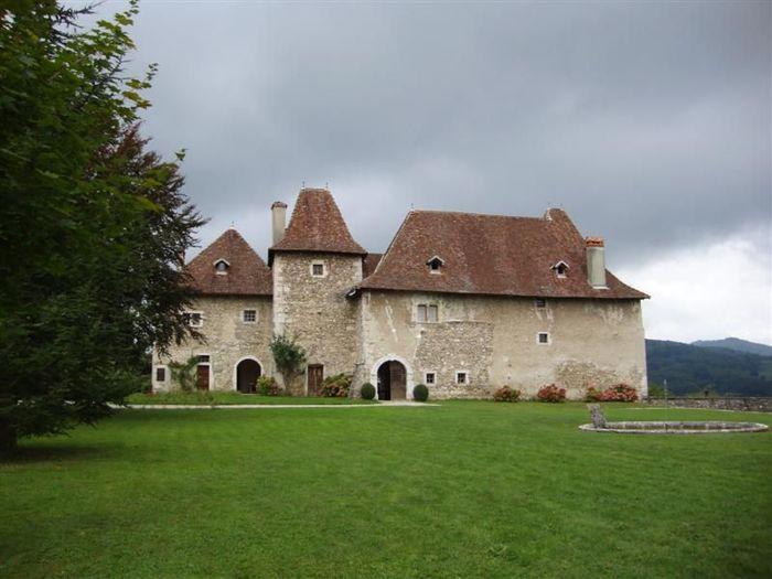 Journées du patrimoine 2020 - visite des extérieurs du vieux château de Voissant