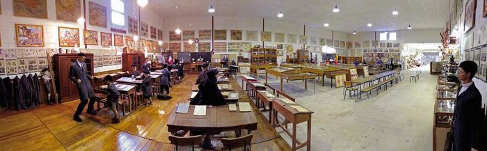 Journées du patrimoine 2020 - Roches-sur-Marne, l'école d'autrefois. Animation autour de l'écriture à la plume.