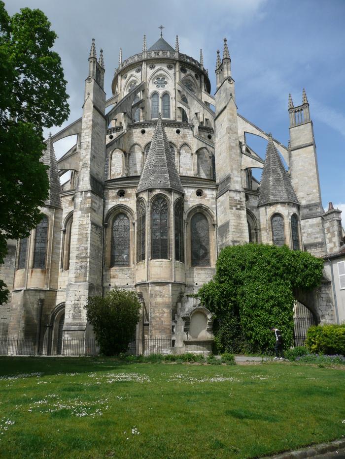 Journées du patrimoine 2020 - La cathédrale Saint-Étienne d'est en ouest