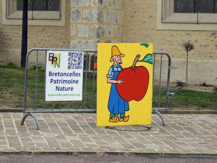 Journées du patrimoine 2019 - Exposition de cartes postales et de fruits