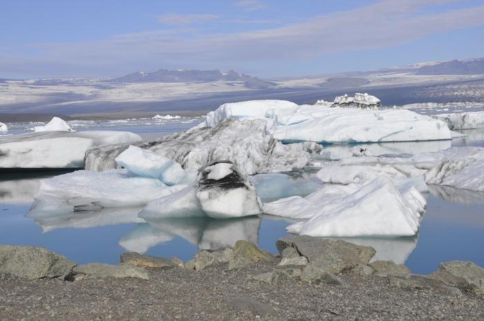 Les scientifiques nous interpellent sur la fonte des sols et des glaces ; mais qu'est-ce donc ? Quels sont les liens avec le changement climatique ?