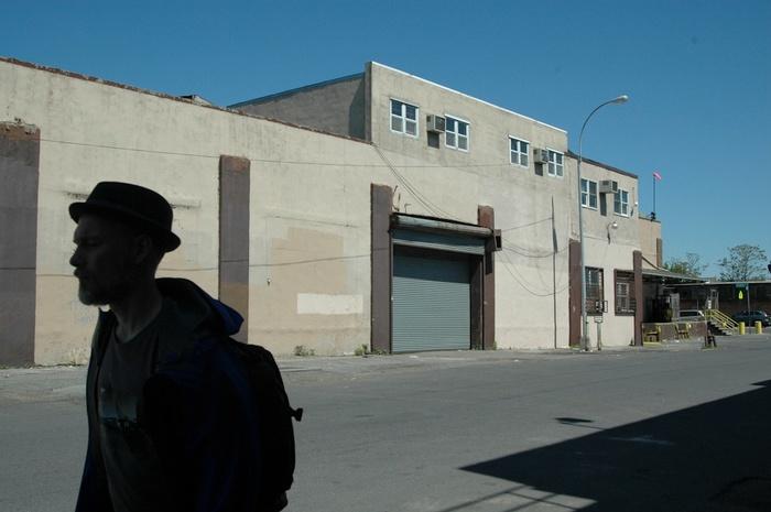 Pour partir découvrir la ville dans des marches silencieuses, suivez le guide Craig Shepard.