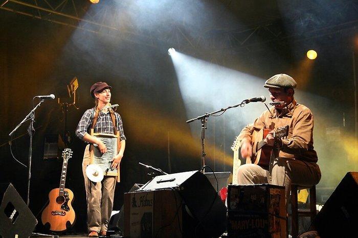 23/10 Soirée musicale octobre rose avec le groupe Hoboes - restaurant Les Plaisirs de Tante Élise à Courville