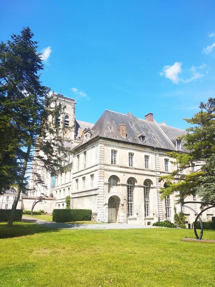 Journées du patrimoine 2020 - Visite scolaire guidée de l'Abbaye de Saint-Riquier