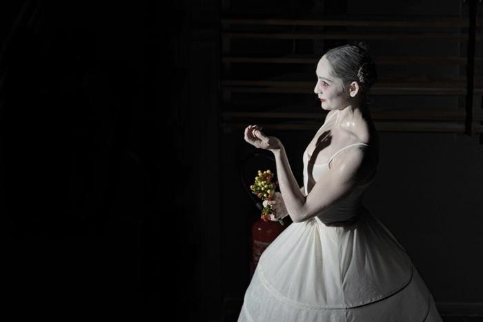 L'épouse – Rebecca Journo