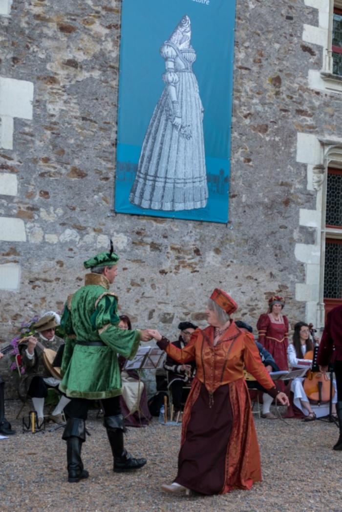 Journées du patrimoine 2019 - Déambulation des artistes du choeur Pavane