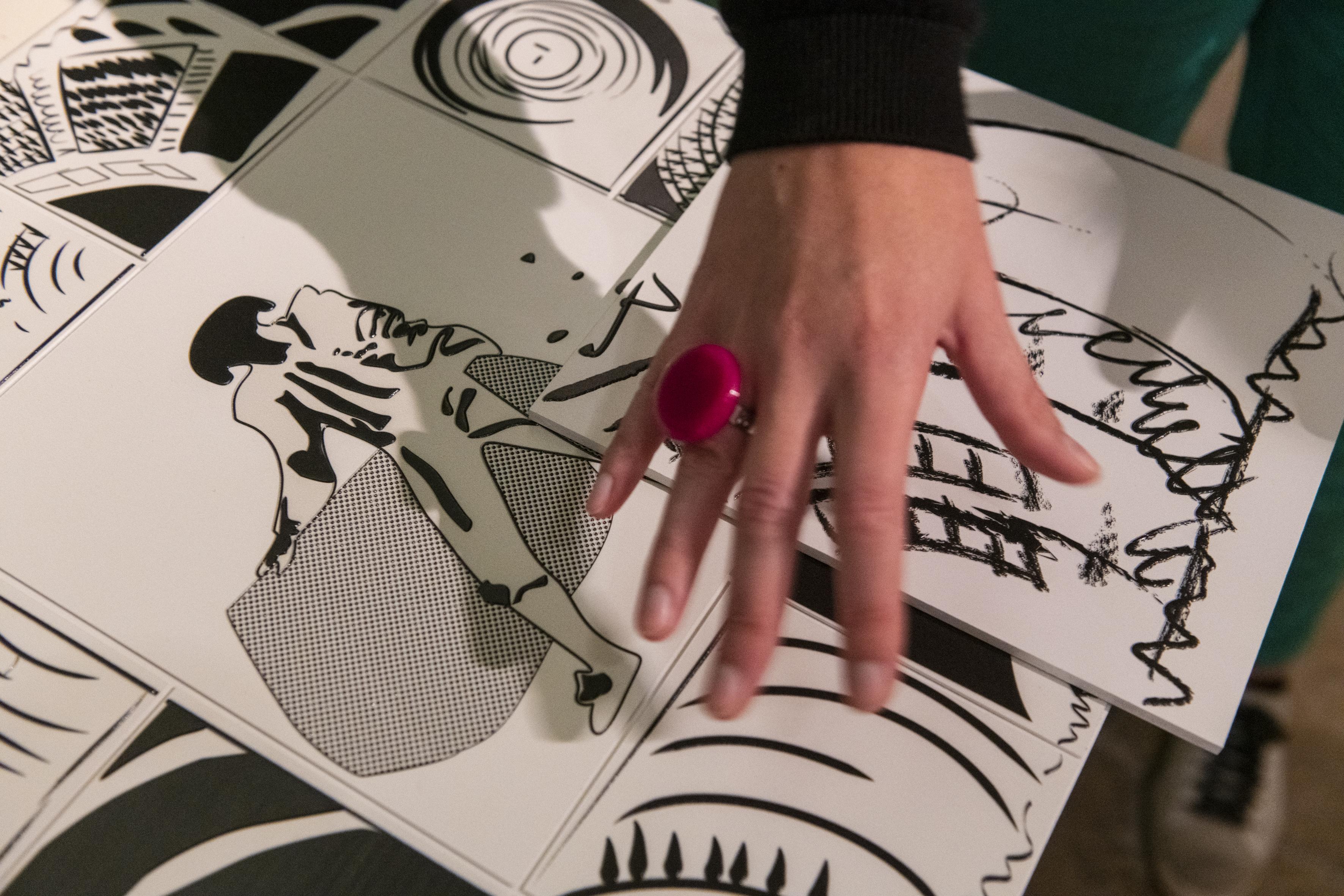 Pour sa troisième exposition-dossier, le Musée Parallèle propose de découvrir selon une approche multi-sensorielle une oeuvre de Pierre Alechinsky.