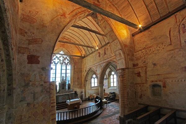 Crédits image : Bureau du tourime Morieux - Eglise Saint-Gobrien