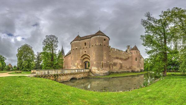 Jardins du château d'Ainay-le-Vieil