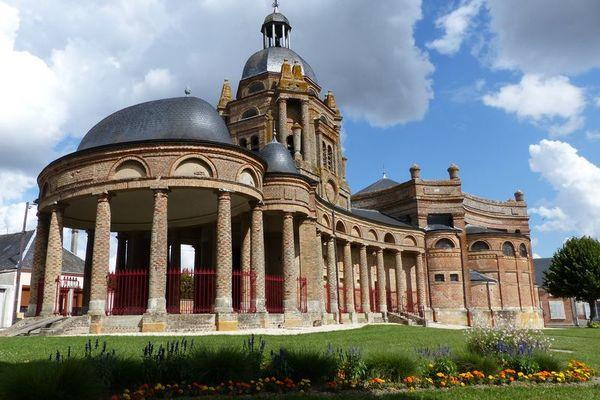Crédits image : Église Saint-Didier © Office de tourisme du pays Rethélois
