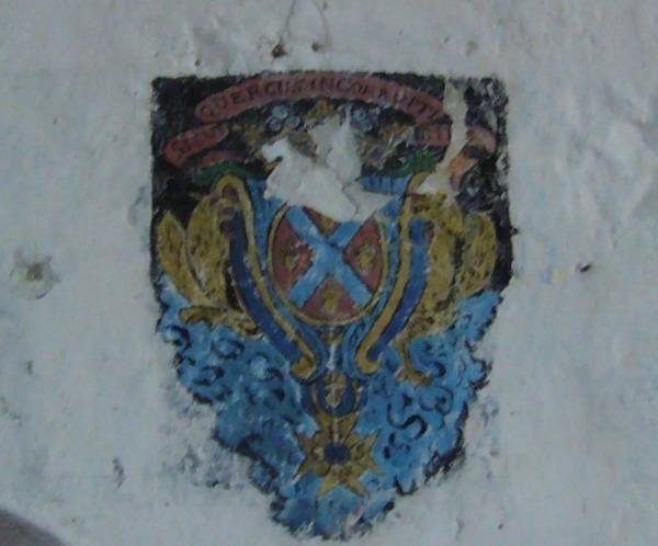 Crédits image : Litre seigneuriale aux armoiries de la famille de Milleville - Dominique JOLY