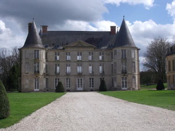 Crédits image : Association Amis du Château d'Hénonville