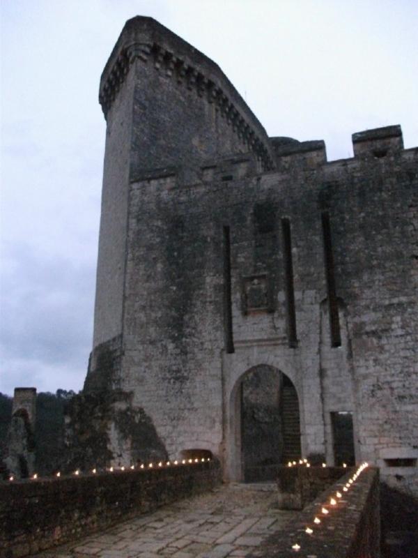 Journées du patrimoine 2018 - Spectacle de feu au château de Bonaguil