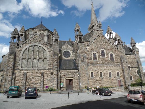 Crédits image : Eglise de la Sainte-Trinité-Notre-Dame