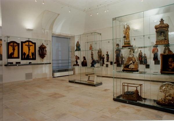 Crédits image : Musée d'art sacré - Salle de sculpture 2 - Ville de Saint-Mihiel