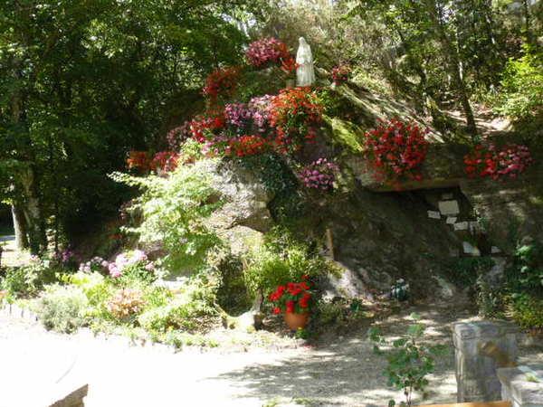 Crédits image : Hameau de Ropenard - grotte