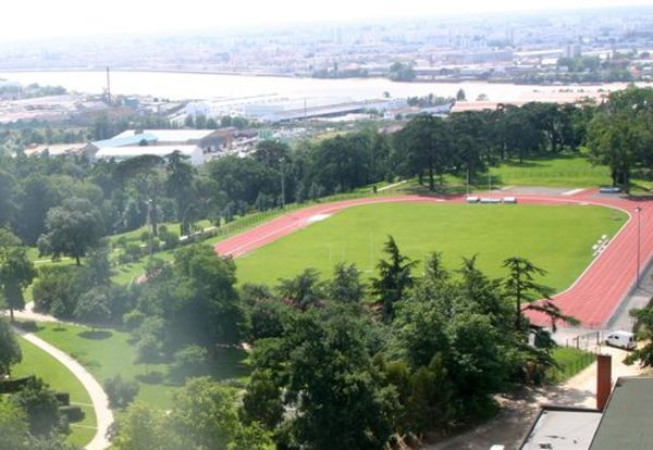 Stade d'athlétisme Danflous de Palmer