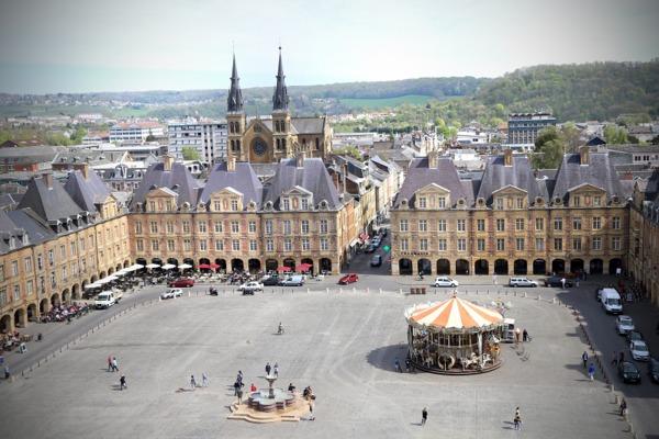 Crédits image : Place Ducale © Ville de Charleville-Mézières