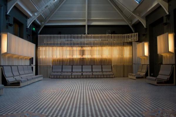 Crédits image : Grande salle de l'Atelier numérique © Ville de Versailles – Anaïd de Dieuleveult