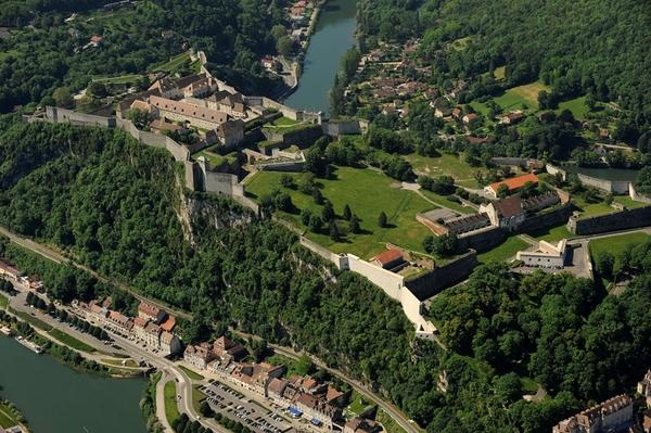 Journées du patrimoine 2017 - Présentation du métier de tailleur de pierre et ateliers à la Citadelle de Besançon