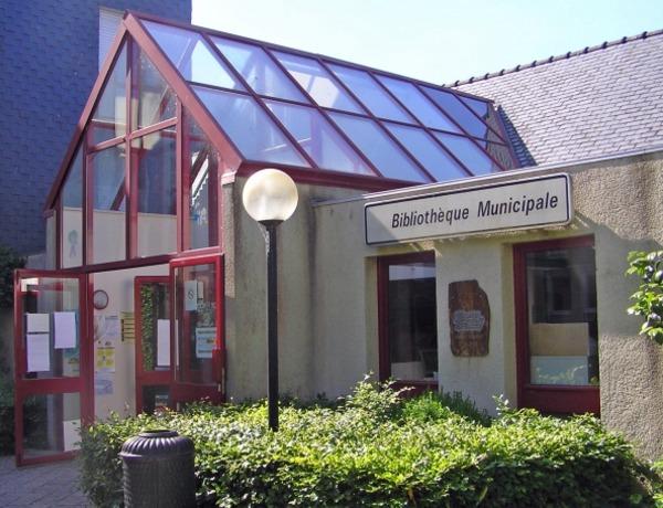 Crédits image : Bibliothèque - Landivisiau