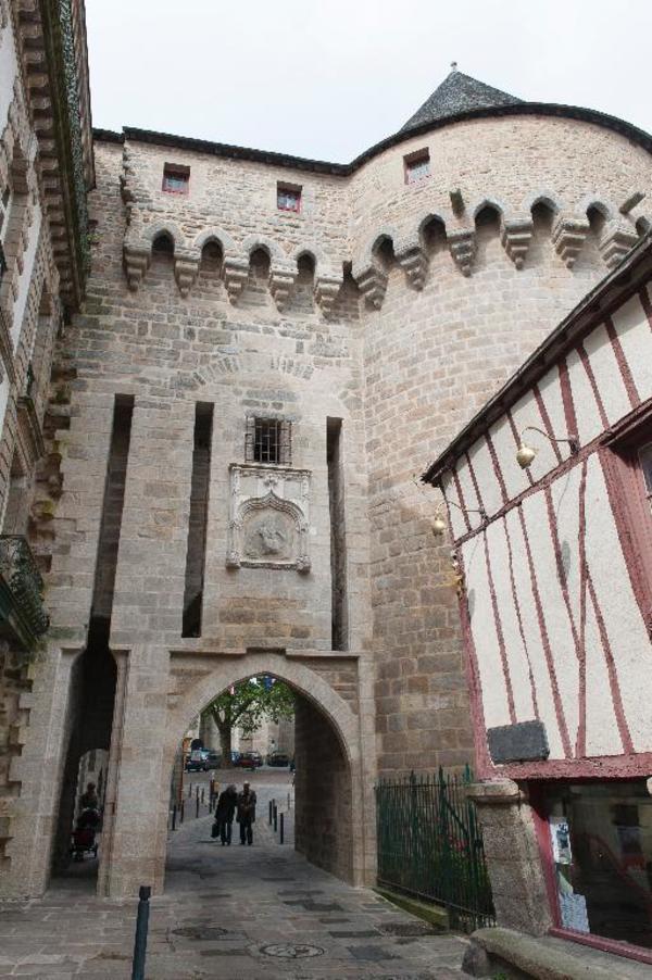 Journées du patrimoine 2017 - Les interdits des fortifications. De portes en tours ...