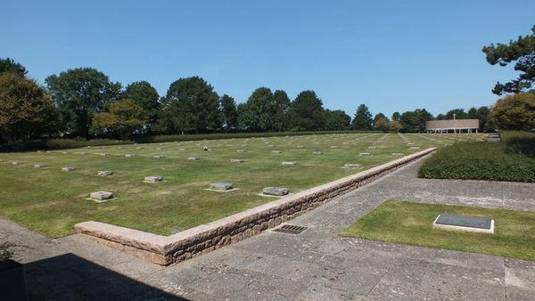 Journées du patrimoine 2017 - Visite guidée du cimetière militaire Allemand de Lesneven - Ploudaniel
