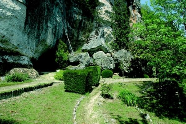 Crédits image : Abri sous roche dit des Marseilles © Semitour Périgord