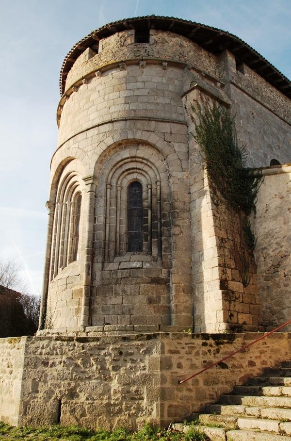 Crédits image : Vue de l'église © OT Bellac