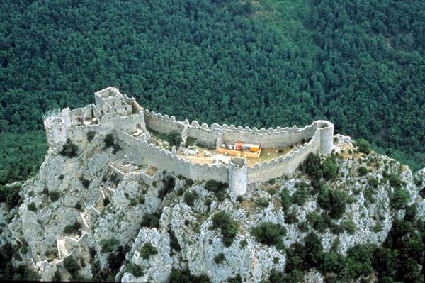 Journées du patrimoine 2018 - Exposition sur les campagnes de fouilles au château